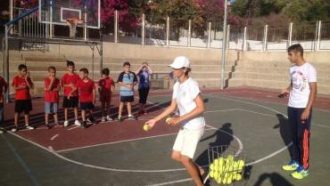חוג טניס בבית הספר